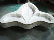 原型を元に石膏型製作