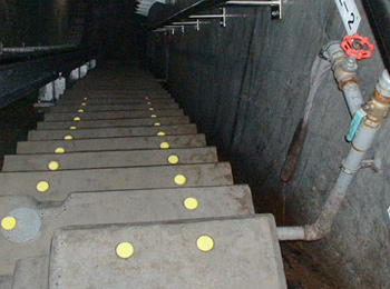 ダム内階段(福井県) φ42mm